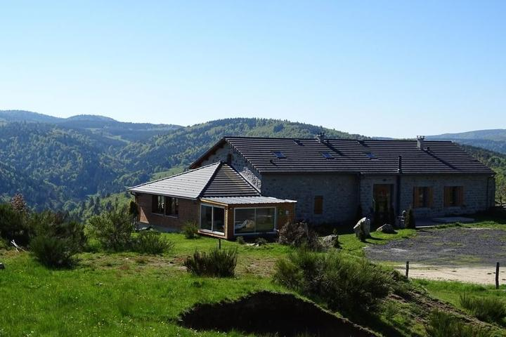 Les Eperviers holiday cottage